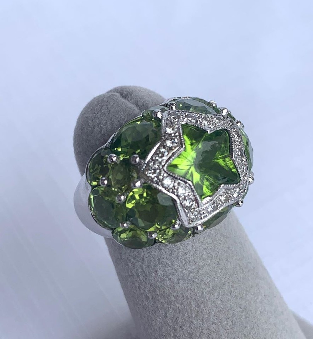 Heavens Stars Collection Peridot and Diamond Ring