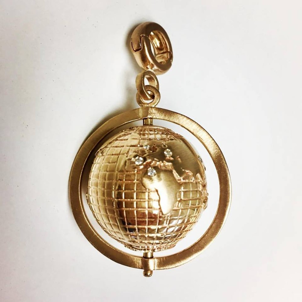 Golden Travel Globe in 14k Gold with Diamonds