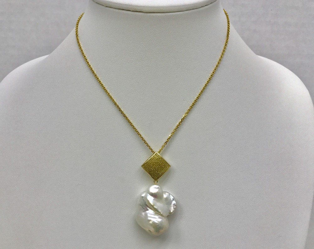 Geometric Yellow Diamond Baroque Pearl Large Necklace