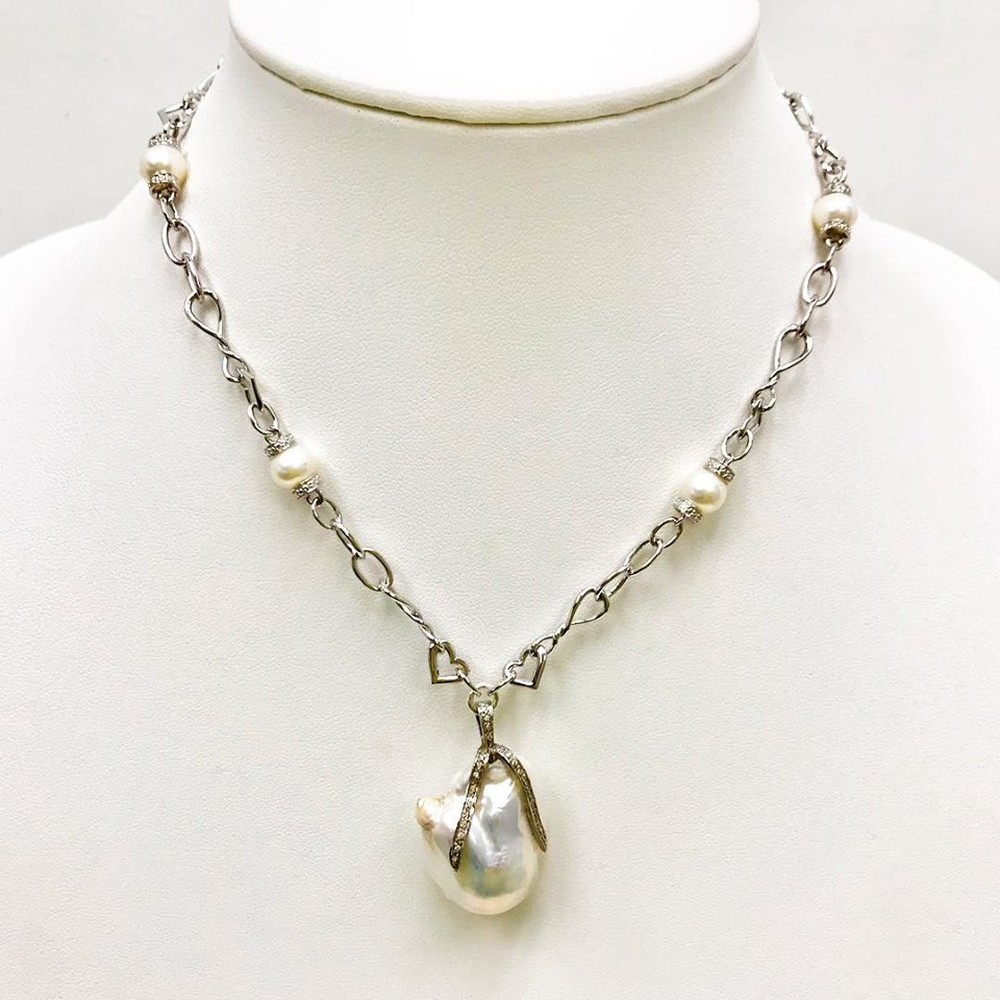Baroque Pearl and Diamonds Hearts Links Necklace